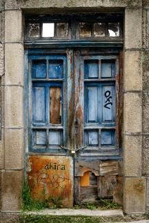 Blue old door (Ourense, 2016)